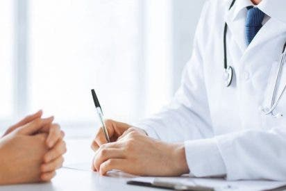 """El puro que le han metido al médico que diagnosticó así a una paciente: """"No está bien follada"""""""
