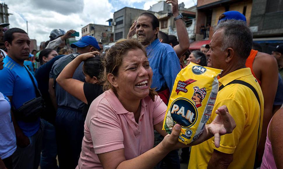 Los venezolanos perderán el 76% de su poder adquisitivo con las nuevas medidas económicas de Maduro