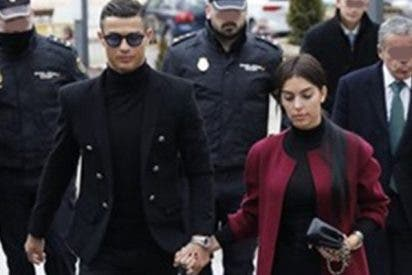 Cristiano Ronaldo acompañado de Georgina, firma autógrafos camino a ser condenado por fraude en la Audiencia