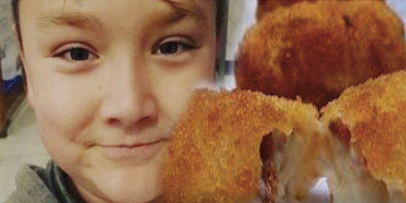 Este niño americano prueba por primera vez las croquetas en Cádiz y su relato se hace viral