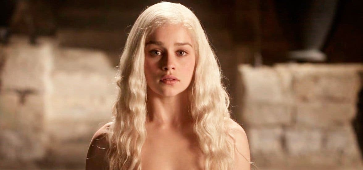 Emilia Clarke Confiesa La Experiencia Sexual Más Extraña Que Tuvo En