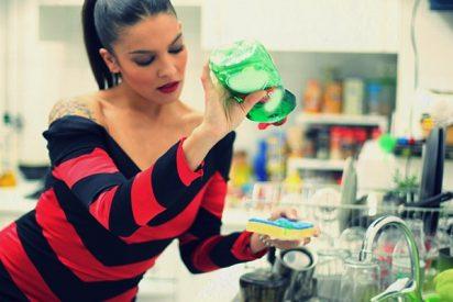 ¿Sabías que llevas toda la vida haciéndolo mal: Aclarar los platos antes de meterlos en el lavavajillas?
