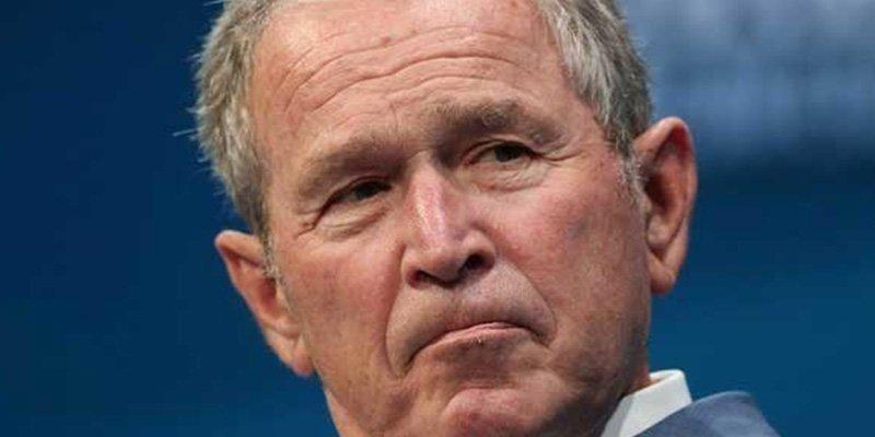 El ex presidente George W. Bush lleva pizzas a empleados del Servicio Secreto durante el cierre del Gobierno Federal