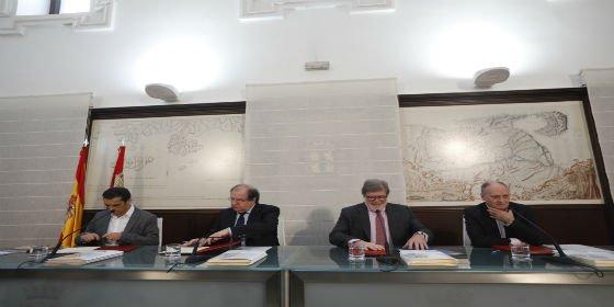 Herrera firma con los agentes sociales acuerdos laborales y económicos