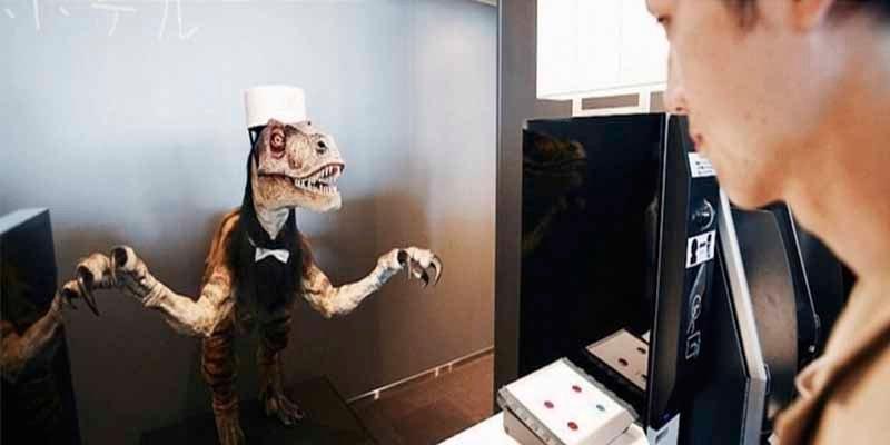 El hotel japonés que tenía dinosaurios como recepcionistas 'despide' a la mitad de los robots por las quejas de los huéspedes