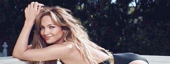 Jennifer López se baja el pantalón a lo Kardashian y desata la locura en Instagram