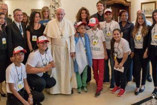 Jóvenes de Scholas Occurrentes trasladan al Papa su deseo de resolver la crisis en Centroamérica