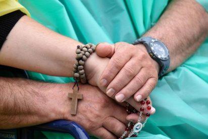 "Francisco pide a los hospitales católicos ""no caer en la trampa de anteponer los intereses de empresa a la persona"""
