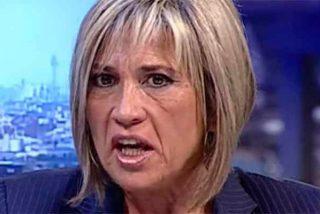 Julia Otero, 15 horas 'secuestrada' en un tren pierde los nervios y Twitter se mofa