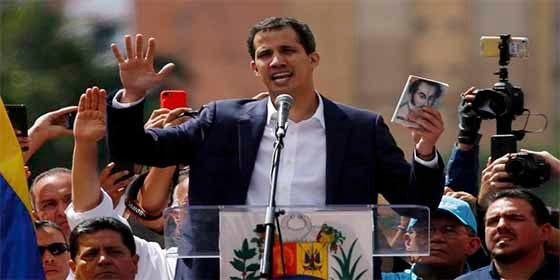 "Juan Guaidó se proclama presidente ""encargado"" de Venezuela"