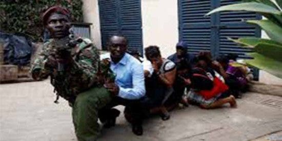 Al menos 15 muertos en un ataque de terroristas islámicos contra un hotel de Nairobi