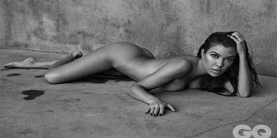 Kourtney Kardashian revela el encanto de sus piernas