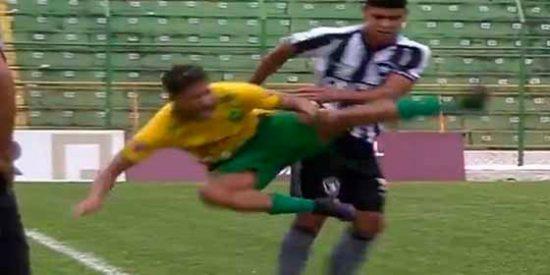 Brasil: No toleró que le hicieran un caño y se le metió el diablo