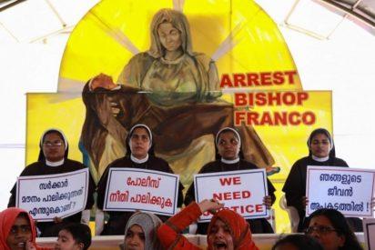 La Iglesia busca vengarse de las religiosas indias que protestaban contra un obispo acusado de violar a una monja