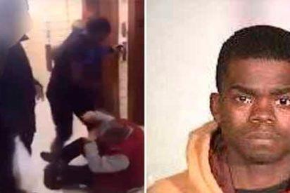 Un joven fue grabado mientras daba una paliza a un hombre de 62 años