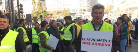 """Los autocares claman contra Carmena por el trato discriminatorio: """"Los turistas no querrán venir a la ciudad"""""""