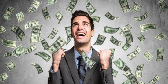 26 multimillonarios acumulan tanta riqueza como la mitad de la Humanidad