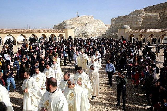 Más de mil cristianos celebran el bautismo de Cristo en Jordania