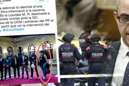 Los Mossos separatistas 'señalan' a una compañera acusándola de colaborar con la Guardia Civil