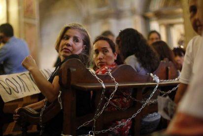 """Aradillas: """"Si fuera mujer, me borraba de la Iglesia"""""""