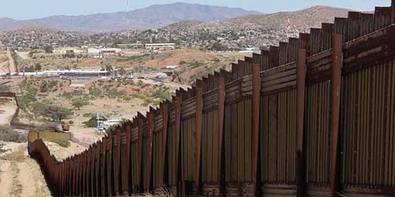 """Lo dicen los expertos: """"Construir el muro de Trump tomaría 10 años"""""""