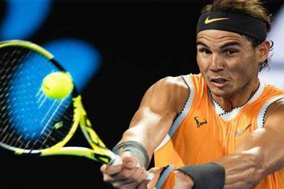El maestro Rafa Nadal da una lección de tenis a Stefanos Tsitsipas