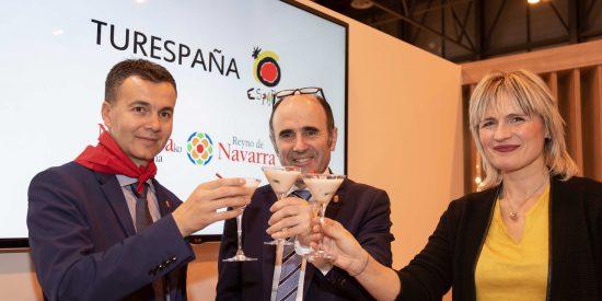 Navarra pone el broche de oro a su segundo día en FITUR con la firma del acuerdo con Turespaña
