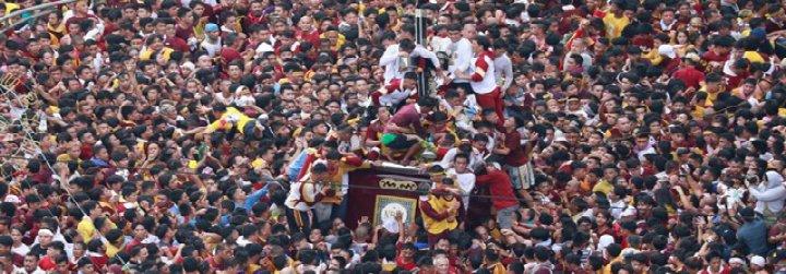 """Cardenal Tagle, en la procesión del Nazareno Negro: """"El devoto ama a Jesús. El fanático no ama"""""""
