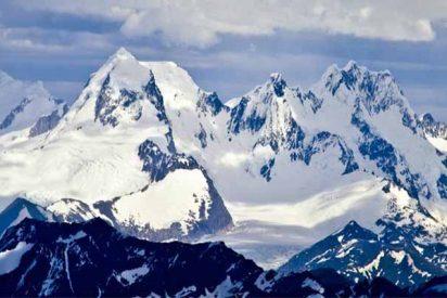 Tres alpinistas españoles mueren en los Andes peruanos aplastados por una avalancha de hielo