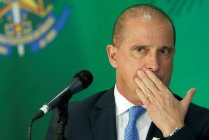 """Un ministro de Bolsonaro: """"Un arma de fuego es tan peligrosa como una licuadora para un niño"""""""
