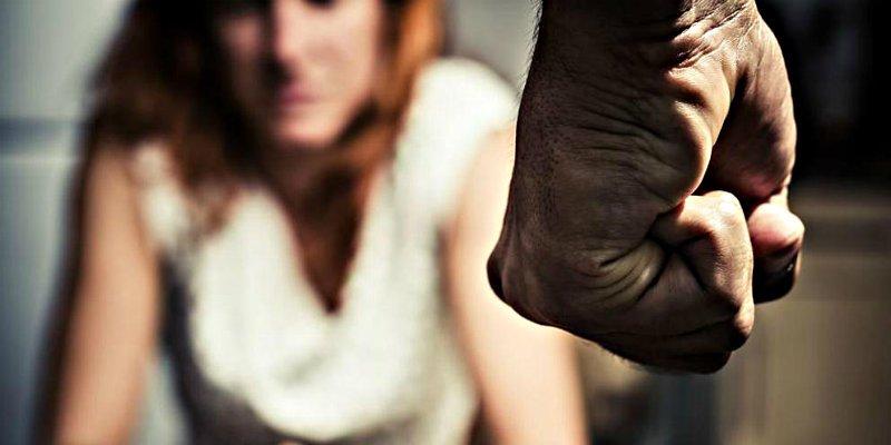 En una agresión mutua el hombre siempre ejerce violencia de género sobre la mujer... y ella familiar