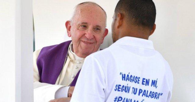 """Tornielli: """"Francisco indica con gestos lo que significa 'conversión'"""""""