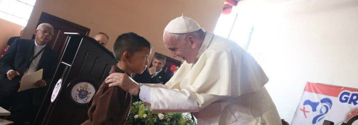 """El Papa pide una solución """"justa y pacífica"""" a la crisis en Venezuela"""