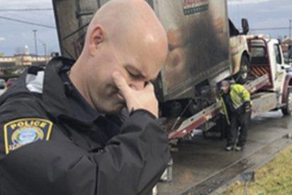 Estos policías juegan con el estereotipo 'llorando' al ver un camión de donuts quemado y se viralizan