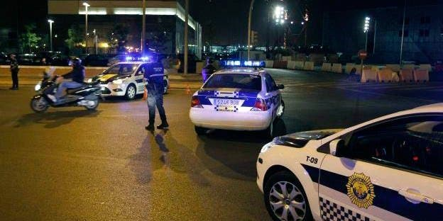 Detenido tras conducir marcha atrás en una rotonda cuadruplicando la tasa de alcoholemia