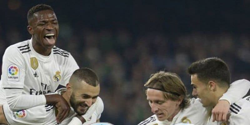 Despierta el Real Madrid tras muchos meses de 'siesta' y vence 2-0 al Sevilla