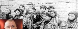 Pérez-Reverte pierde el oremus y se mete entre las alambradas del campo de concentración de Auschwitz