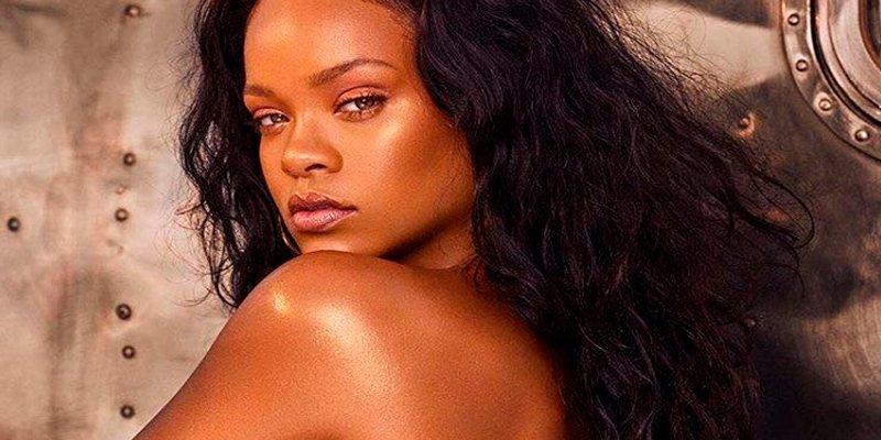 Rihanna muestra la lencería que usará en San Valentín