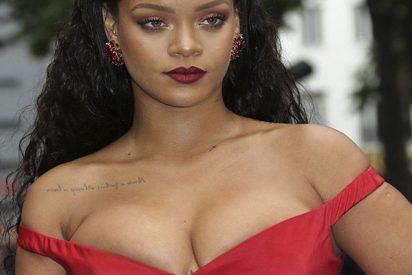Una chica se encontró con Rihanna en un baño público y pasó esto…