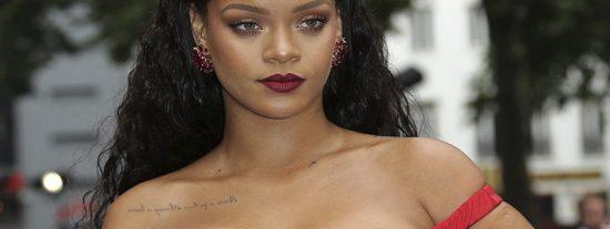 La horrorosa celulitis de Rihanna que provoca 'arcadas' a sus seguidores