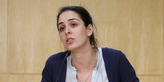 """El escobazo de las mujeres a Rita Maestre por decir que los votantes de VOX """"son hombres débiles"""""""
