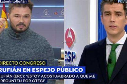 """Un pasito más en la infamia: Rufián llama """"cuñado"""" y """"trol"""" al hijo de un asesinado por ETA y en Antena3 nadie se atreve a chistarle"""