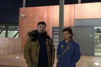 "Twitter se mofa de Talegón tras relatar su visita a Junqueras y Romeva: ""¡Bea, pobres presos, no les tortures!"""