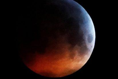 Así fue el espectacular 'triple' fenómeno de la 'superluna de sangre'