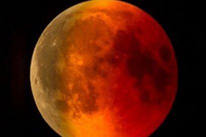 El vídeo que muestra como un meteorito se estrelló en la Luna durante el eclipse