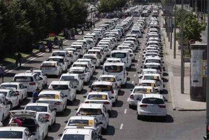 Madrid: Los taxistas van a la huelga indefinida para presionar a los políticos y y que legislen contra las VTC