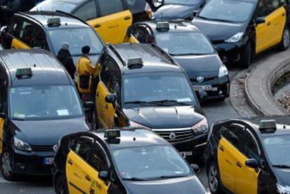 Un conductor de Cabify hospitalizado tras el ataque de un grupo de taxistas en Barcelona