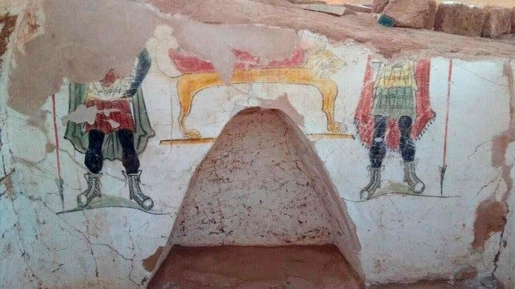 Arqueólogos hallan tumbas de la era romana en el desierto de Egipto