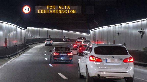 Los vehículos sin etiqueta de la DGT no pueden circular por la M-30 ni por el centro de Madrid