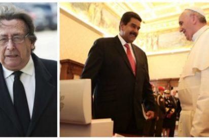 Alfonso Ussía crucifica al Papa Francisco por sus miramientos hacia el sanguinario tirano de Nicolás Maduro